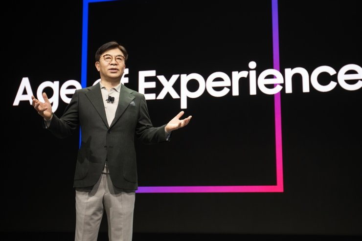 Kim Hyun-suk, president of Samsung Electronics' consumer electronics division, speaks during a key note speech at the Consumer Electronics Show in Las Vegas, Monday (local time). / Courtesy of Samsung Electronics