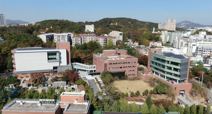 Seoul BioHub, opened in October 2017, is leading the country's biomedical science industry./Courtesy of Seoul BioHub