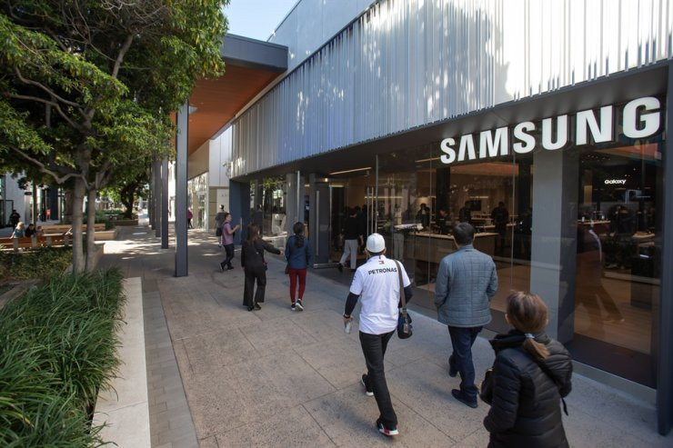 The front entrance of the Samsung Experience Store located in Palo Alto, California, which opened in Dec. 12. Courtesy of Samsung Electronics