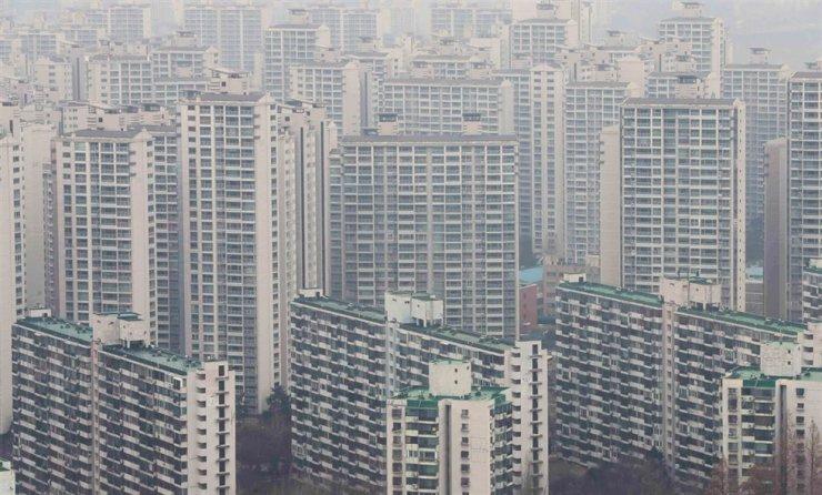 Apartments in Seoul / Yonhap