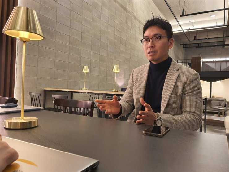 Kang Jong-soo, president and founder of Busan-based startup accelerator Collz Dynamics, speaks during an interview with The Korea Times at a lounge of a shared space project called Urban Creators Unit in Seodaemun-gu, Seoul, Jan. 30. Courtesy of Collz Dynamics