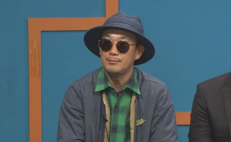Lee Ha-neul, a member of hip-hop group DJ DOC, has announced his divorce after 18 months of marriage. Korea Times file