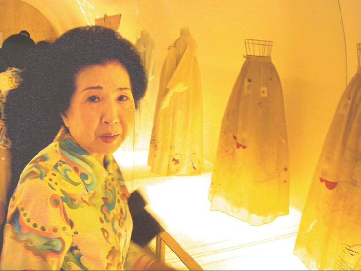 Hanbok designer Lee Eun-yim, better known by her brand name Lee Rheeza, died of natural causes on Saturday. She was 85. / Yonhap