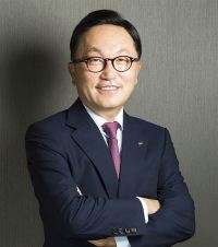 Mirae Asset chairman donates dividends for 10th year
