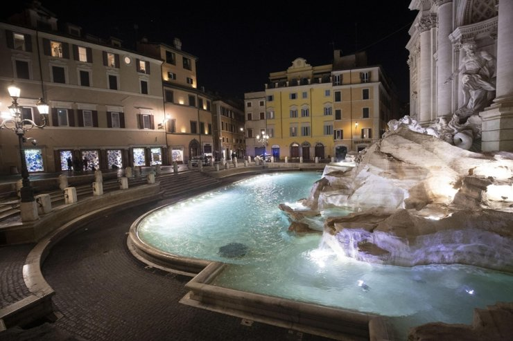 A view on the Trevi Fountain during the Coronavirus emergency lockdown in Rome, Italy, 11 March 2020. /EPA