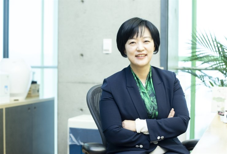 Naver CEO Han Seong-sook poses at her office in Pangyo, Gyeonggi Province, in this file photo. / Courtesy of Naver