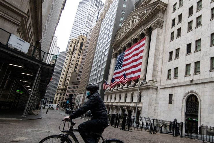 The New York Stock Exchange (NYSE) is seen in the financial district of lower Manhattan during the outbreak of the coronavirus disease (COVID-19) in New York City, U.S., Sunday. /Reuters