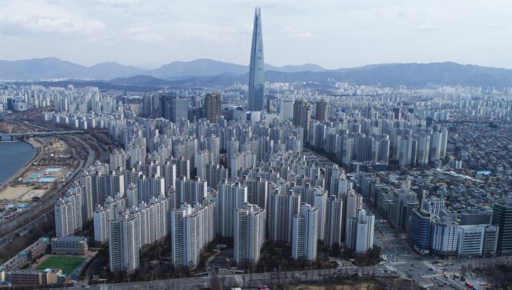 Towering apartment buildings dominate this part of the Gangnam area in Southern Seoul / Yonhap