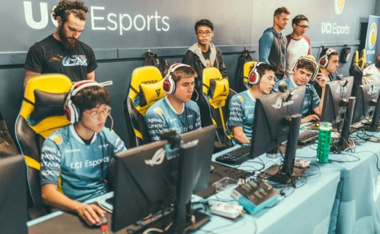Korean American 'League of Legends' professional player Jung Young-bin, front row first from left, of University of California Irvine plays with his teammates at the UCI Esports Arena in Irvine, last February. / Courtesy of University of California