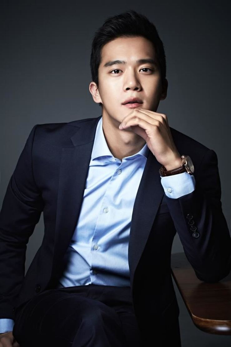 "Ha Seok-jin va juca un rol principal în drama MBC ""When I Was the Prettiest"".  Amabilitatea C-JeS Entertainment"