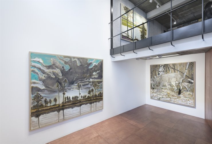 Installation view of Billy Childish's exhibition 'wolves, sunsets and the self' at Lehmann Maupin Seoul / Courtesy the artist and Lehmann Maupin