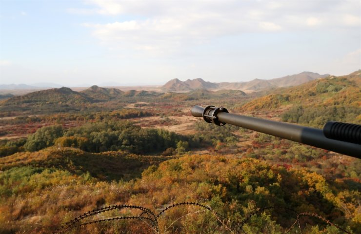 The view over the Demilitarized Zone (DMZ) from a guard post in Cheorwon County, Gangwon Province, Oct. 17, 2018. Korea Times file