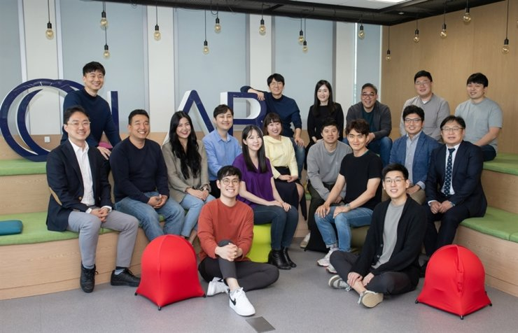 Samsung Electronics employees, who will take part in the C-Lab Inside program this year, gather at the company building in Seoul, May 18. Samsung will provide monetary and consulting support through the program to help launch their companies. / Courtesy of Samsung Electronics
