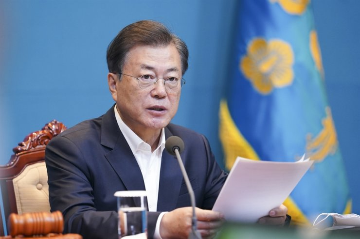 President Moon Jae-in speaks during a weekly Cabinet meeting at Cheong Wa Dae in Seoul, Tuesday. Yonhap