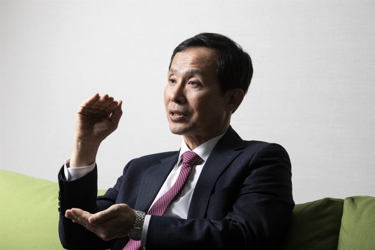 STIC Investments Chief Operating Officer Kwag Dae-hwan speaks during an interview with The Korea Times at his company's head office in Seoul, April 29. / Korea Times photo by Choi Won-suk