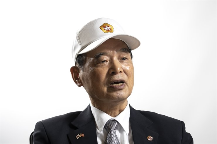 Lee In-bum, a retired first lieutenant of the Republic of Korea Air Force, talks during an interview with The Korea Times in Seoul, June 12. Korea Times photo by Choi Won-suk