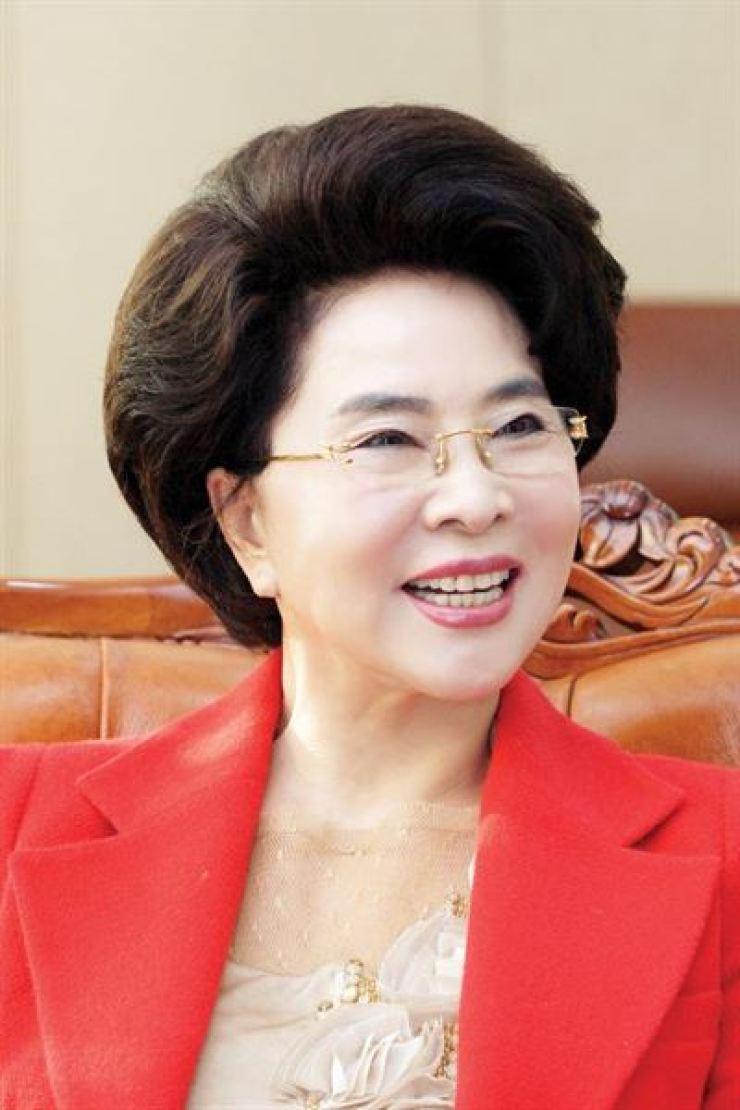 Lee Gil-ya /Korea Times file