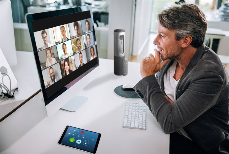 A person takes part in a video chat meeting through the Zoom video conferencing platform. / Courtesy of Zoom Video Communications