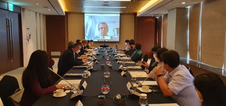 Participants of a workshop co-hosted by the Embassy of Germany in Korea and Fraunhofer Representative Office Korea join a video discussion at InterContinental Seoul COEX in Gangnam-gu, southern Seoul, June 17. / Courtesy of Embassy of Germany