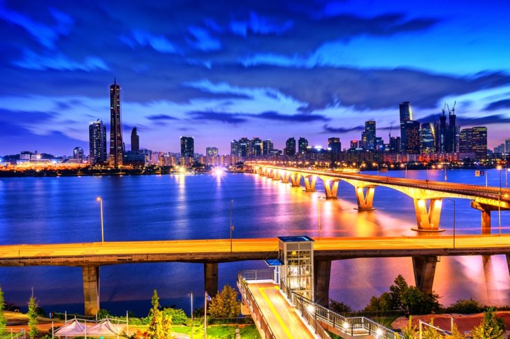 South Korea's global competitiveness ranking rose by five notches this year due to an improvement in the efficiency of the government and companies and expanded infrastructure, according to IMD. Gettyimagesbank