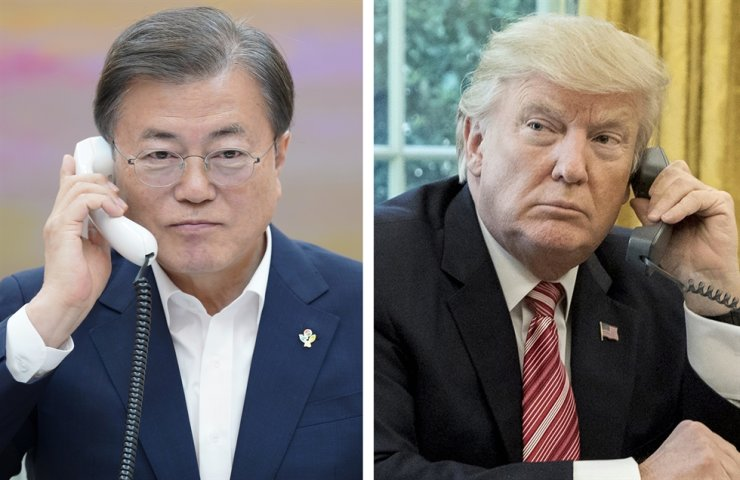 President Moon Jae-in accepted U.S. President Donald Trump's invitation of Korea to a G7 Summit in September during their phone talks, Monday. / Yonhap