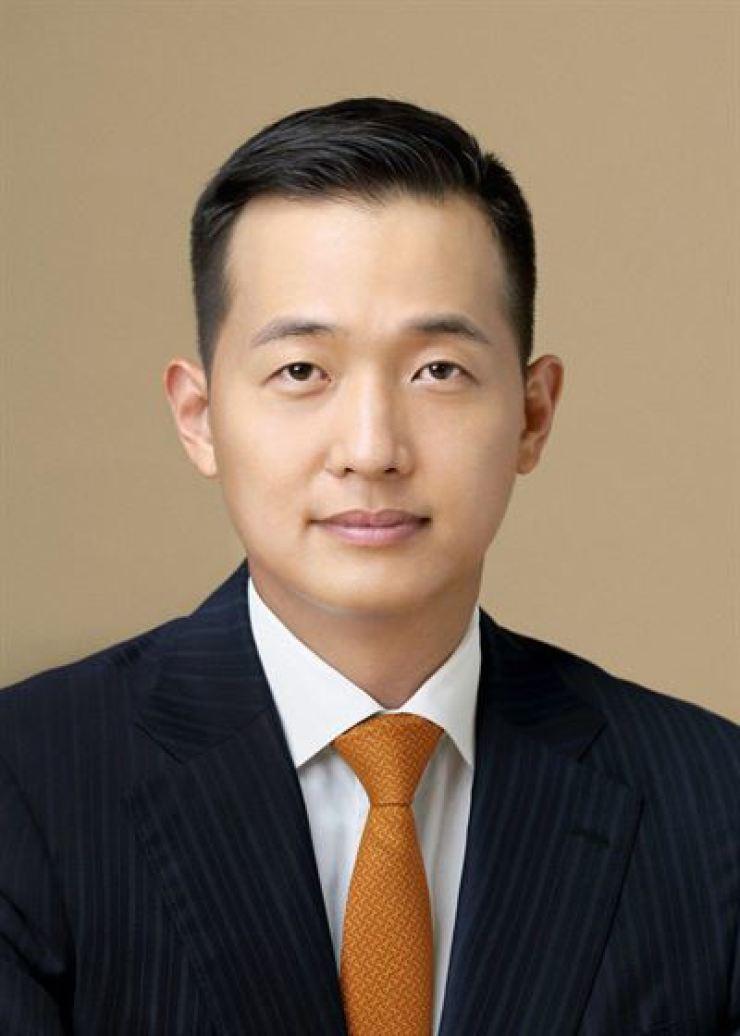 Hanwha Solution Vice President Kim Dong-kwan