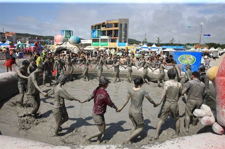 The Boryeong Mud Festival will be held online this year. Korea Times file