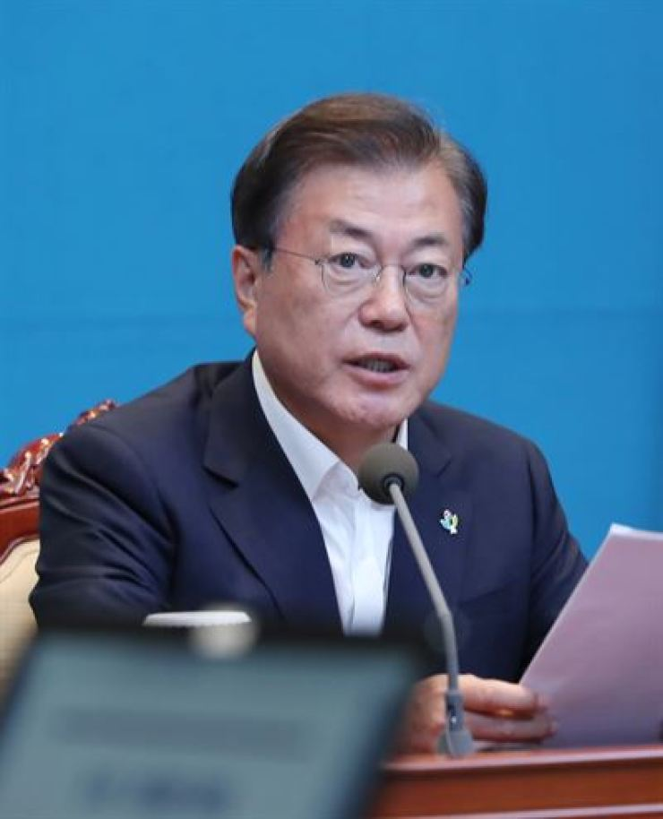 President Moon Jae-in speaks during a meeting with his senior secretaries at Cheong Wa Dae, Monday. / Yonhap