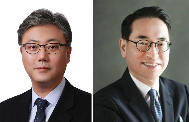 SK C&C CEO Park Sung-ha, left, and Samsung SDS CEO Hong Won-pyo / Korea Times file