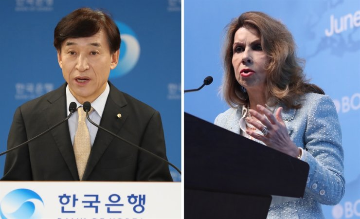 Bank of Korea Governor Lee Ju-yeol, left, and World Bank chief economist Carmen Reinhart / Korea Times file