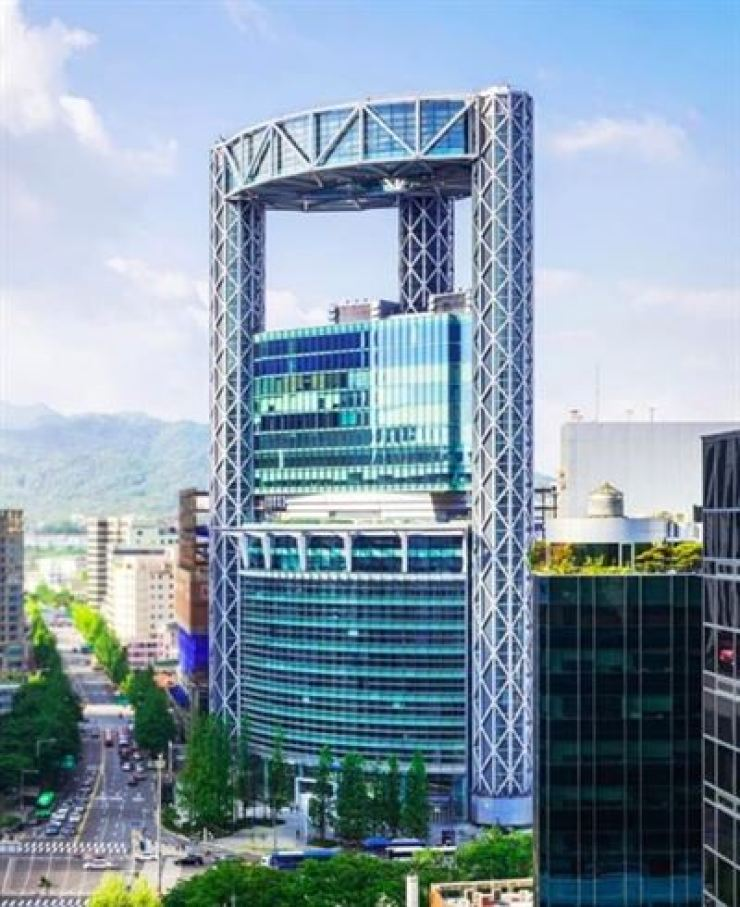 Jongno Tower in Seoul / Courtesy of WeWork