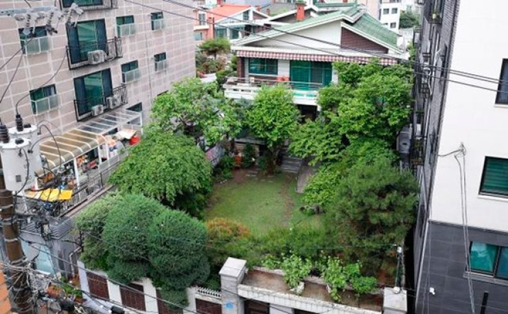 A shelter for surviving victims of Japan's wartime sexual slavery in Mapo, Seoul. The head of the shelter was found dead on Sunday at her apartment in Paju, north of Seoul.  Korea Times file