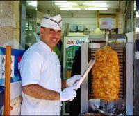 Iraqi serves kebabs for 13 years in Namdaemun Market