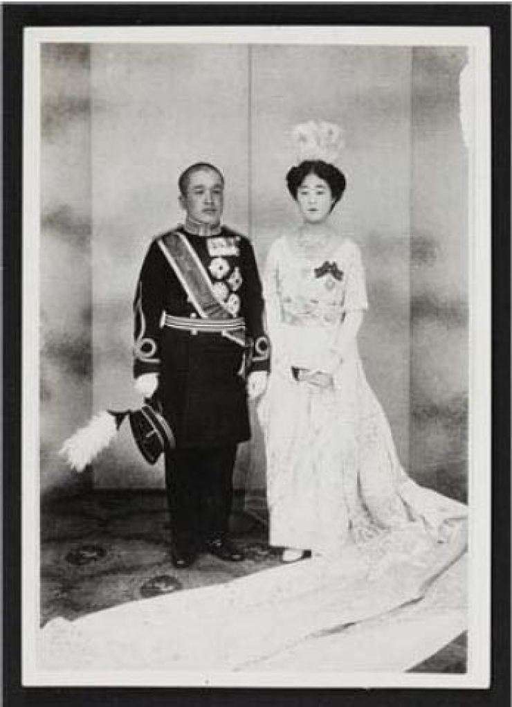 A 1920 wedding photo of the Crown Prince and Crown Princess of Joseon / public domain