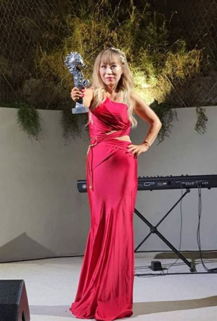 Star soprano Sumi Jo won the art award in the music division of the 2020 Ischia Global Film and Music Festival held in Italy, July 19. Yonhap