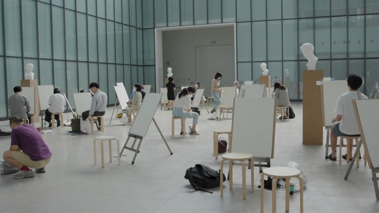 'Win, Lose or Draw: The Drawing Competition' is a participatory art project by GANGNAMBUG for the 'Project Hashtag 2020' exhibition at the National Museum of Modern and Contemporary Art, Seoul. Courtesy of MMCA
