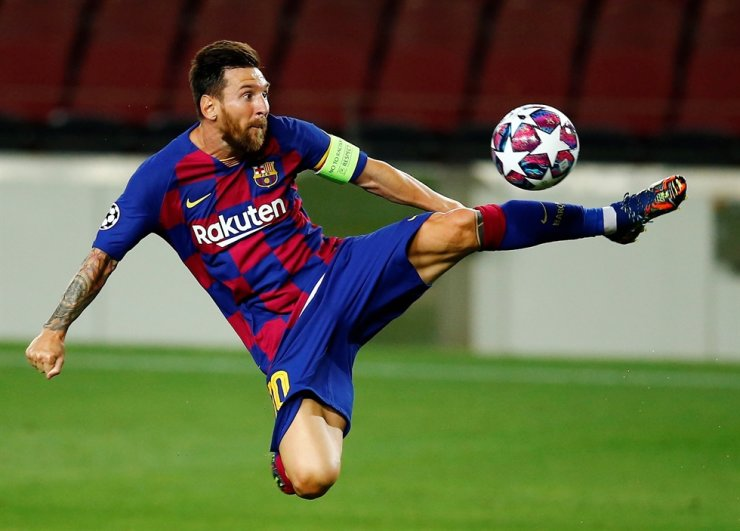 FC Barcelona's Lionel Messi is in action during the UEFA Champions League round of 16 second leg football match between FC Barcelona and SCC Napoli in Barcelona, Catalonia, north eastern Spain, Saturday. / EPA-Yonhap