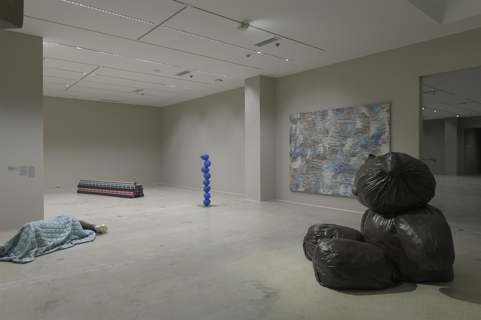 Installation view of 'Artists in Their Times: Korean Moden and Contemporary Art' at Museum of Modern and Contermporary Art, Gwacheon / Courtesy of MMCA