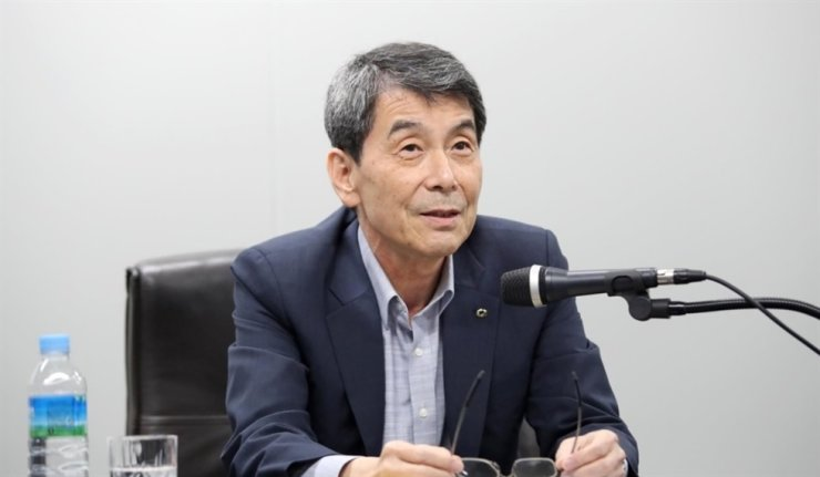 Korea Development Bank (KDB) Chairman Lee Dong-gull speaks during an online press conference at the bank's headquarters in Seoul on Aug. 3. Yonhap
