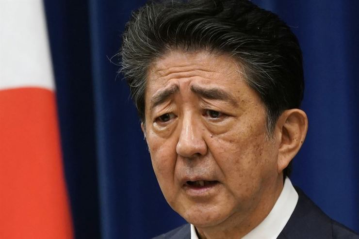 Japanese Prime Minister Shinzo Abe speaks during a press conference at the prime minister official residence in Tokyo Friday. Yonhap