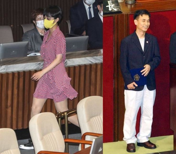 On the left is Rep. Ryu Ho-jeong of the progressive minor opposition Justice Party at a plenary session at the National Assembly, Tuesday. Ryu's short pink dress stirred controversy but many lawmakers expressed their support for Ryu's challenging of old practices in which the majority wear business suits. On the right is former lawmaker Ryu Si-min who also triggered an impropriety controversy for wearing white-color pants at a plenary session of the 16th National Assembly in 2003. Yonhap