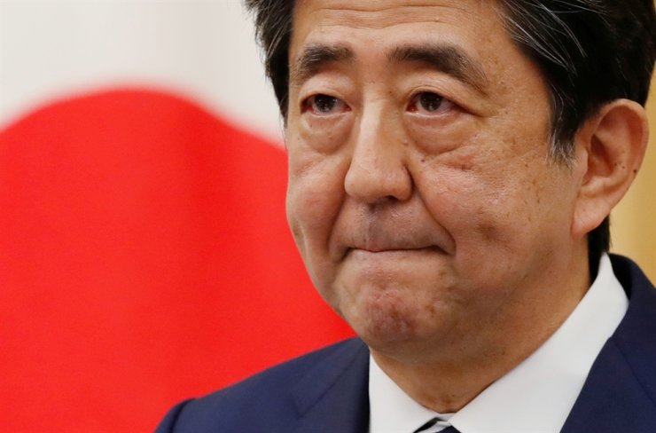 Japan's Prime Minister Shinzo Abe holds a news conference in Tokyo, Japan May 25, 2020. REUTERS/Kim Kyung-Hoon