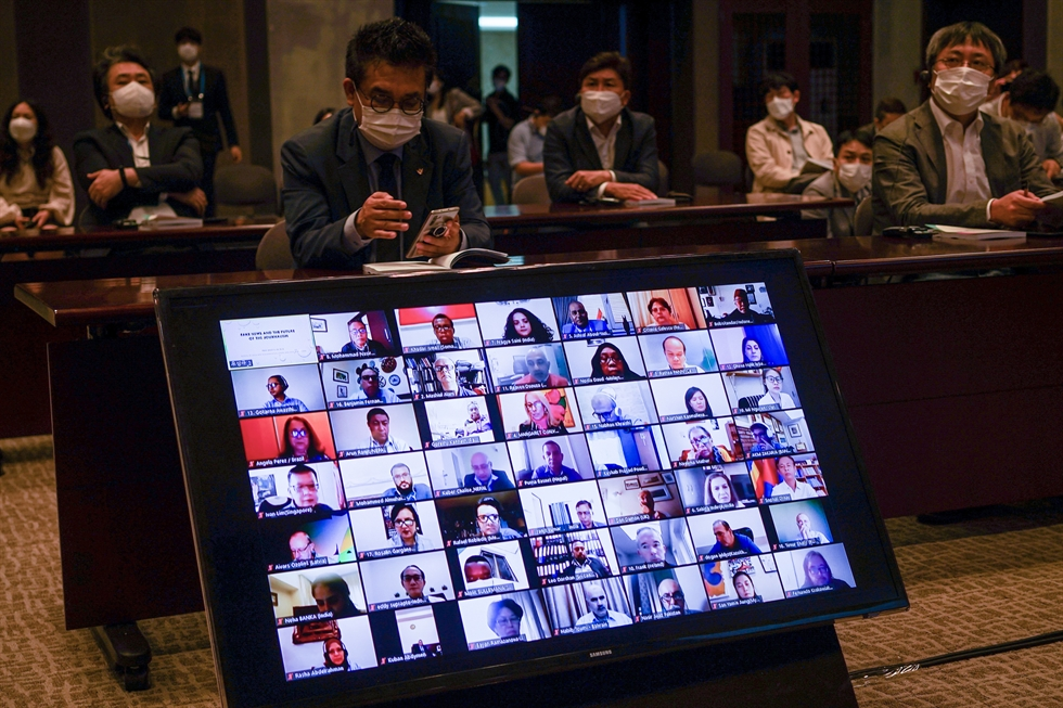 Prime Minister Chung Sye-kyun delivers a congratulatory video message at the World Journalists Conference 2020 hosted by the Journalists Association of Korea that kicked off Monday at the Korea Press Center in downtown Seoul. Most of the journalists participated online this year due to the COVID-19 pandemic. / Korea Times photo by Shim Hyun-chul