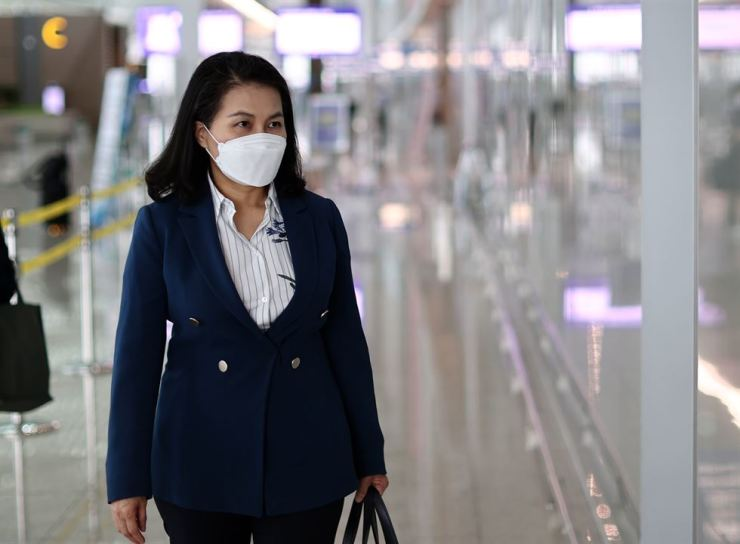 South Korean Trade Minister Yoo Myun-hee departs for Washington, D.C., from Incheon International Airport, Sept. 15. Yonhap