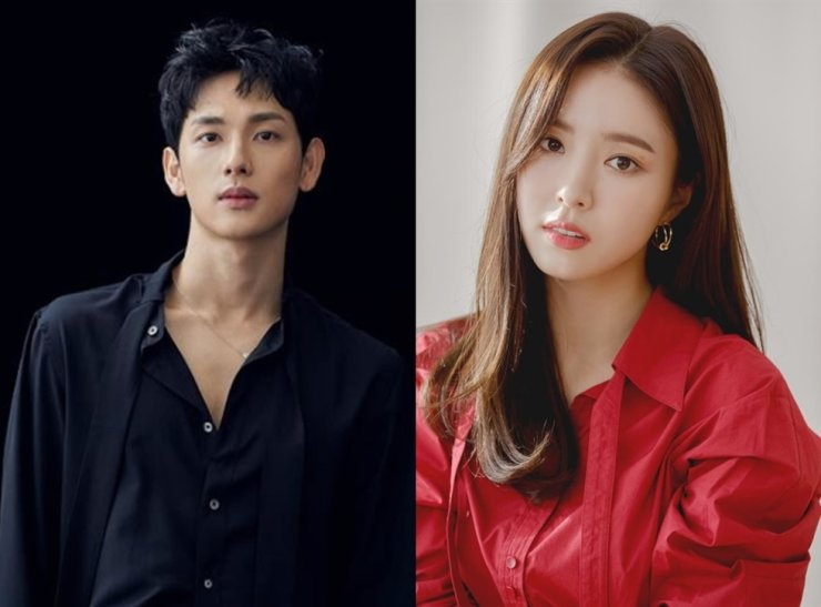 JTBC's new series 'Run On,' starring Im Si-wan, left, and Shin Se-kyung, halted production after a staff member tested positive for COVID-19. Korea Times file