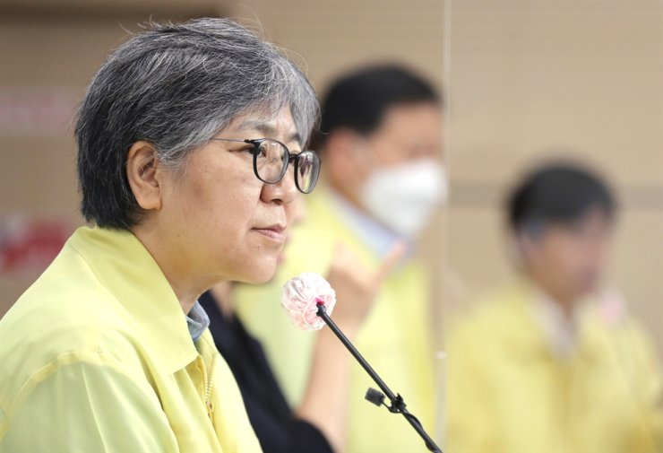 Commissioner of the Korea Disease Control and Prevention Agency Jeong Eun-kyeong leads a briefing at the agency's headquarters in Cheongju, North Chungcheong Province, Sept. 22. Yonhap