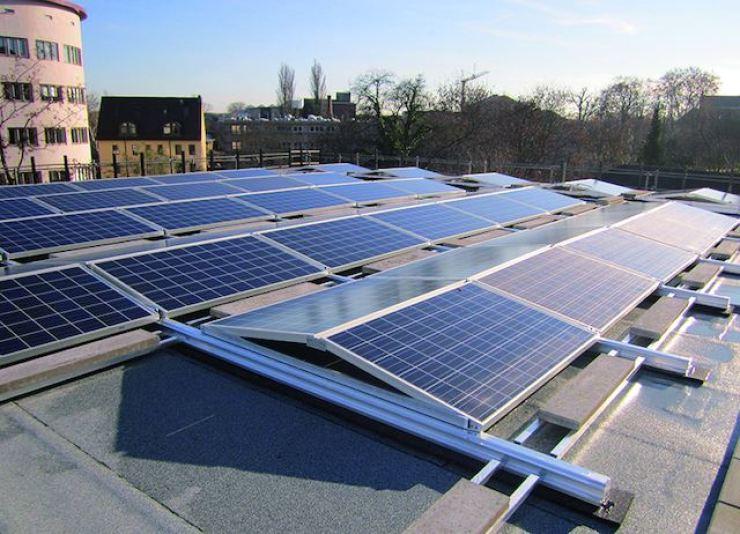 Hanwha Solutions' solar panel installed in Frankfurt / Courtesy of Hanwha Solutions