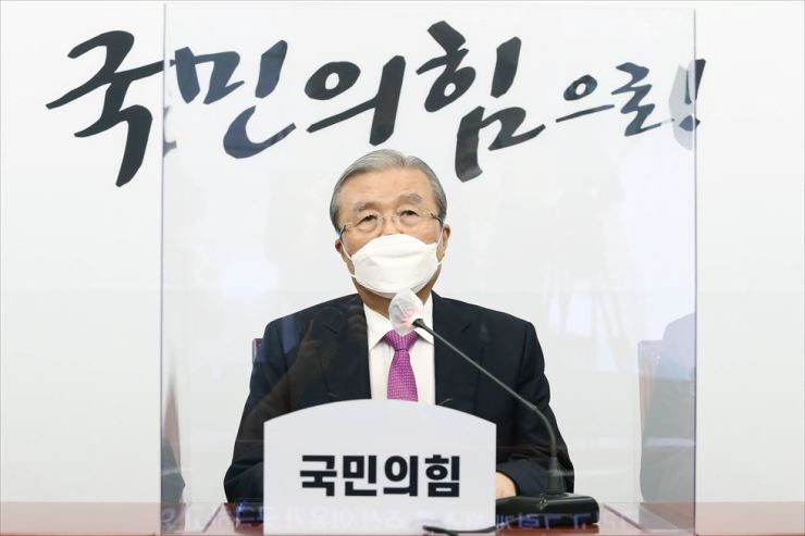 Kim Chong-in, interim head of the main opposition People Power Party, speaks at a press conference at the National Assembly in Seoul, Sept. 3, to mark his 100th day since taking the post. / Yonhap