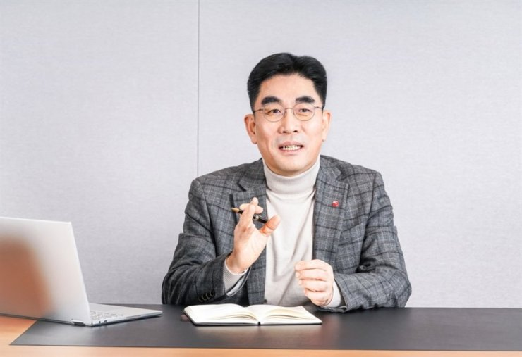 BC Card President Lee Dong-myun poses at its office in this file photo. He took office as the leader of the payment processor in March this year. Yonhap