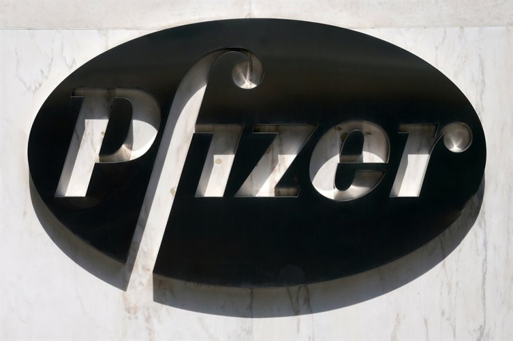 A sign is pictured outside Pfizer Headquarters in the Manhattan borough of New York City, New York, U.S., July 22, 2020. Reuters